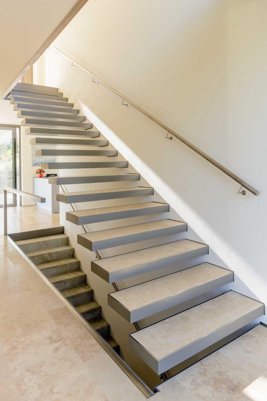 Kragenstufentreppe für Nautilus Treppen GmbH & CO.KG